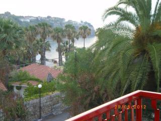 Cozy 3 bedroom Brucoli Condo with Water Views - Brucoli vacation rentals