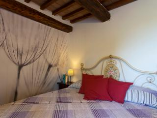 Casa Vacanze Benestare_LECCIO - Gambassi Terme vacation rentals
