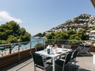 Attic with sea views in Canyelles - Roses vacation rentals