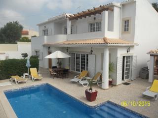 4 bedroom Villa with Internet Access in Albufeira - Albufeira vacation rentals