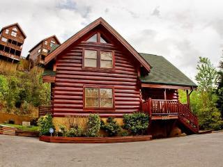 Cuddle Me Close - Sevierville vacation rentals