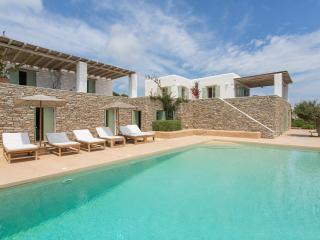 Spacious Villa with Deck and Internet Access - Antiparos Town vacation rentals