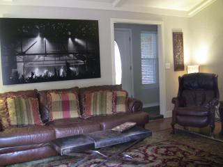 Close to OU Campus and I-35 - Norman vacation rentals