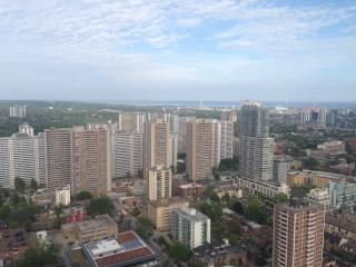 DOWNTOWN with East City/Lake View - Toronto vacation rentals