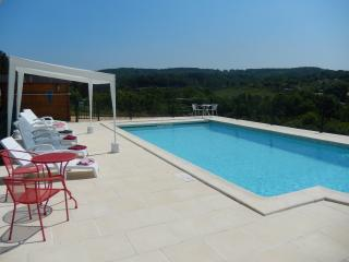 Perfect Cottage with Internet Access and Satellite Or Cable TV - Cenac-et-Saint-Julien vacation rentals