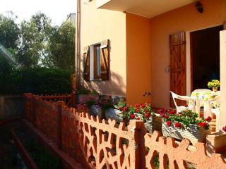 garden-side apartment - Badesi vacation rentals