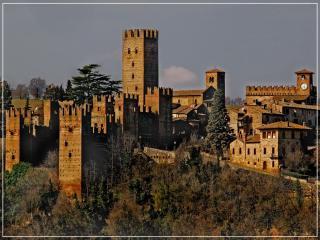Casa del 600 in pietra in antico borgo medievale - Castell'Arquato vacation rentals