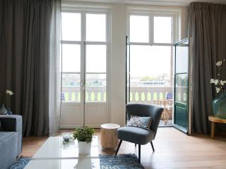Cozy 2 bedroom The Hague House with Internet Access - The Hague vacation rentals