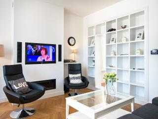 2 bedroom Apartment with Internet Access in The Hague - The Hague vacation rentals
