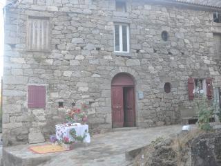 maison de village a 900 mètres d'altitude corse - Conca vacation rentals
