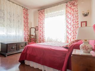 VILLA TERRACE,NEAR LEANING TOWER - Pisa vacation rentals