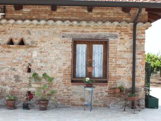 Perfect 4 bedroom Farmhouse Barn in Limbadi - Limbadi vacation rentals