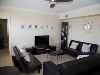 2 bedroom / 2 baht wonder - Miami Beach vacation rentals