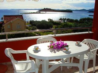 Apartment Sea Jewel 5 for 5, AC - 30m from the sea - Pakostane vacation rentals