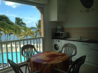 Studio rénové vue piscine et lagon 2 pers - Baie Nettle vacation rentals