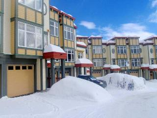 3 bedroom Creekside townhome- prime location - Silver Star Mountain vacation rentals