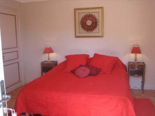 Bright 5 bedroom Vacation Rental in La Garde-Freinet - La Garde-Freinet vacation rentals