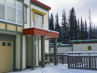 Great location End Unit Townhome Pet Friendly too - Silver Star Mountain vacation rentals