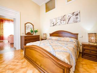 Cozy 3 bedroom Guest house in Telese Terme - Telese Terme vacation rentals
