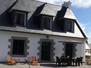 Maison 130m2, 9 pers, jardin 1200m2, 5min plages - Plobannalec-Lesconil vacation rentals