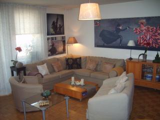 bel appartement dans une residence gardee - Warsaw vacation rentals