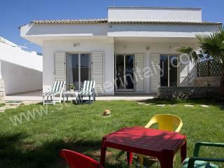 Bright House with Deck and Internet Access - Scoglitti vacation rentals