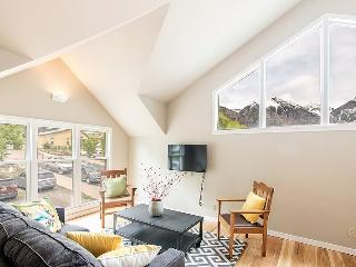 This adorable downtown Telluride vacation condo is the ideal place to stay for summer festivals or winter ski trips. - Telluride vacation rentals