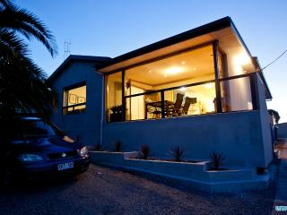 Unwind@ Ocean Views Pet Friendly - Port Lincoln vacation rentals