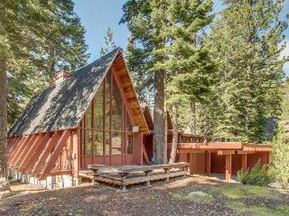 Pet-friendly Alpine Meadows lodge w/ hot tub & room for 16! - Tahoe City vacation rentals