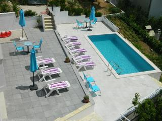 Cozy apartment with a pool and sea view - Lokva Rogoznica vacation rentals