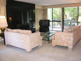 2 Bedroom, 2 Bathroom Vacation Rental in Solana Beach - (2BR Condo by Pool CHAT14) - Solana Beach vacation rentals