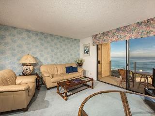 2 Bedroom, 2 Bathroom Vacation Rental in Solana Beach - (SBTC212) - Solana Beach vacation rentals