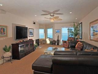 2 Bedroom, 2 Bathroom Vacation Rental in Solana Beach - (SONG8) - Solana Beach vacation rentals
