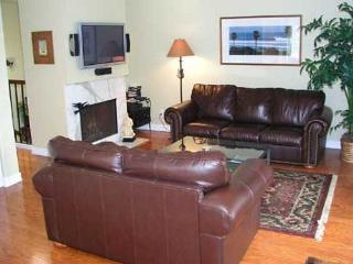 2 Bedroom, 2 Bathroom Vacation Rental in Del Mar - (DM13072CAM) - Solana Beach vacation rentals