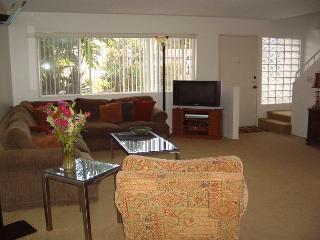 Comfortable 2BR condo near Del Mar Fairgrounds and Racetrack - Solana Beach vacation rentals