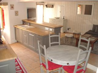 2 bedroom Townhouse with Internet Access in Robion - Robion vacation rentals