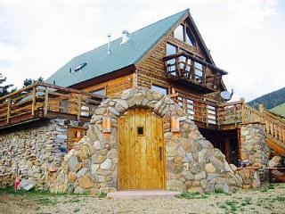 Luxury 6 bedroom cabin between Red River and Angle - Eagle Nest vacation rentals