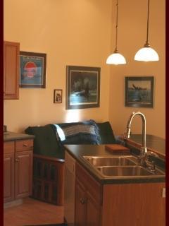 Romantic 1 bedroom Kasilof Condo with Deck - Kasilof vacation rentals