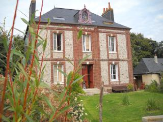 Nice 3 bedroom Guest house in Valmont - Valmont vacation rentals