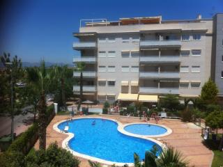 Beach, sun and swimming pool...perfect vacation! - Canet de Berenguer vacation rentals