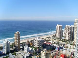 OCEAN VIEWS CHEVRON RENAISSANCE 2 BEDROOM UNITS - Surfers Paradise vacation rentals