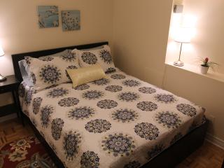 1 bedroom basement suite in Bloor West Village - Toronto vacation rentals