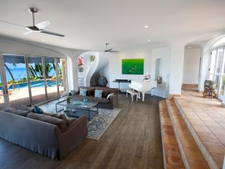 Gorgeous White-Washed Lahaina Villa ~ Oceanfront with Stunning Views! - Lahaina vacation rentals