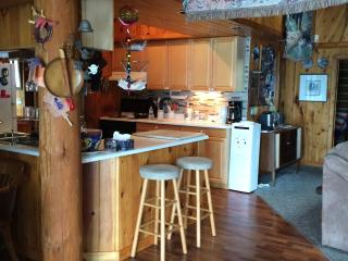 Beautiful Cottage with Deck and Satellite Or Cable TV - Port Severn vacation rentals