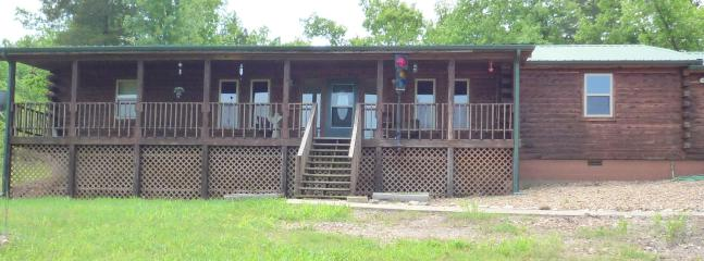 Three Cedars Log Cabin ~ Minutes to Lake Norfork & Tracy Ferry Marina!  Very private ~ Sleeps 6 - Mountain Home vacation rentals