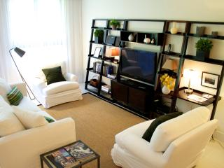 Beachfront property. Contemporary. Beach, pools... - Key Biscayne vacation rentals