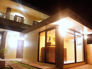 Nice 1 bedroom Coron Apartment with Internet Access - Coron vacation rentals