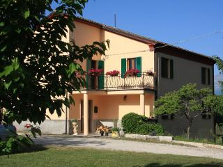 Sunny 2 bedroom Montefalcone Appennino Condo with Deck - Montefalcone Appennino vacation rentals