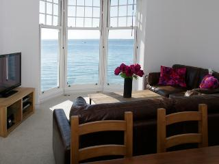 Perfect Condo with Internet Access and Dishwasher - Totland vacation rentals