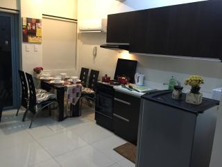 Safe & Cozy Loft type room near Greenbelt Makati - Makati vacation rentals